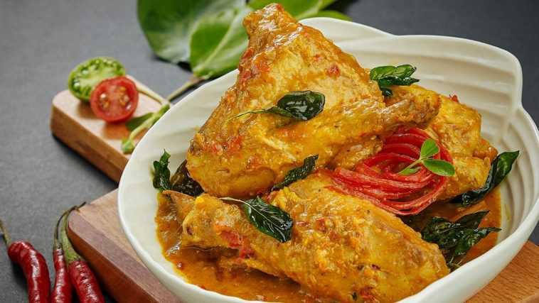Resep Membuat Ayam Woku Belanga Manado