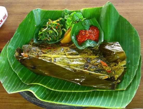 Resep Pepes Ikan Bumbu Iris khas Jawa Barat