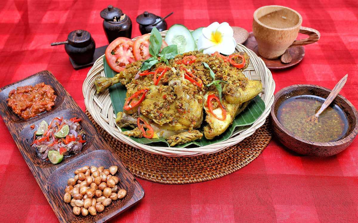 Resep Praktis Ayam Betutu Khas Bali Reseppedia Com