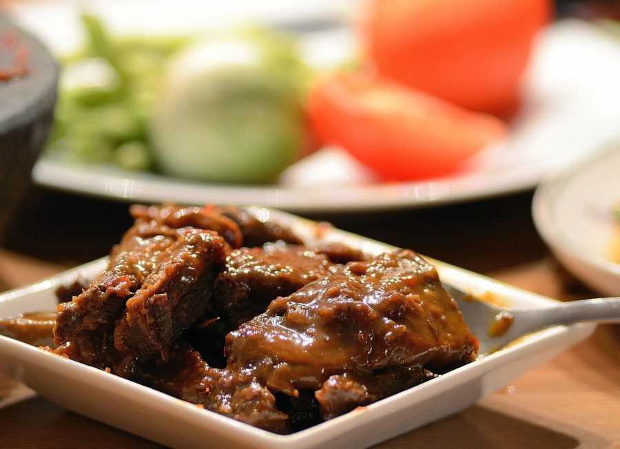 Resep Semur Daging Khas Betawi Lezat dan Gurih